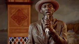 Aloe Blacc Performs Moving Song 'Hold On Tight'